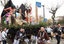 秋田市:土崎神明社祭の曳山行事